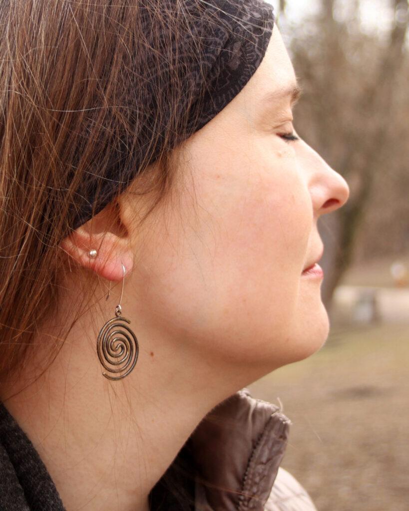 Swirls - mosiężna biżuteria